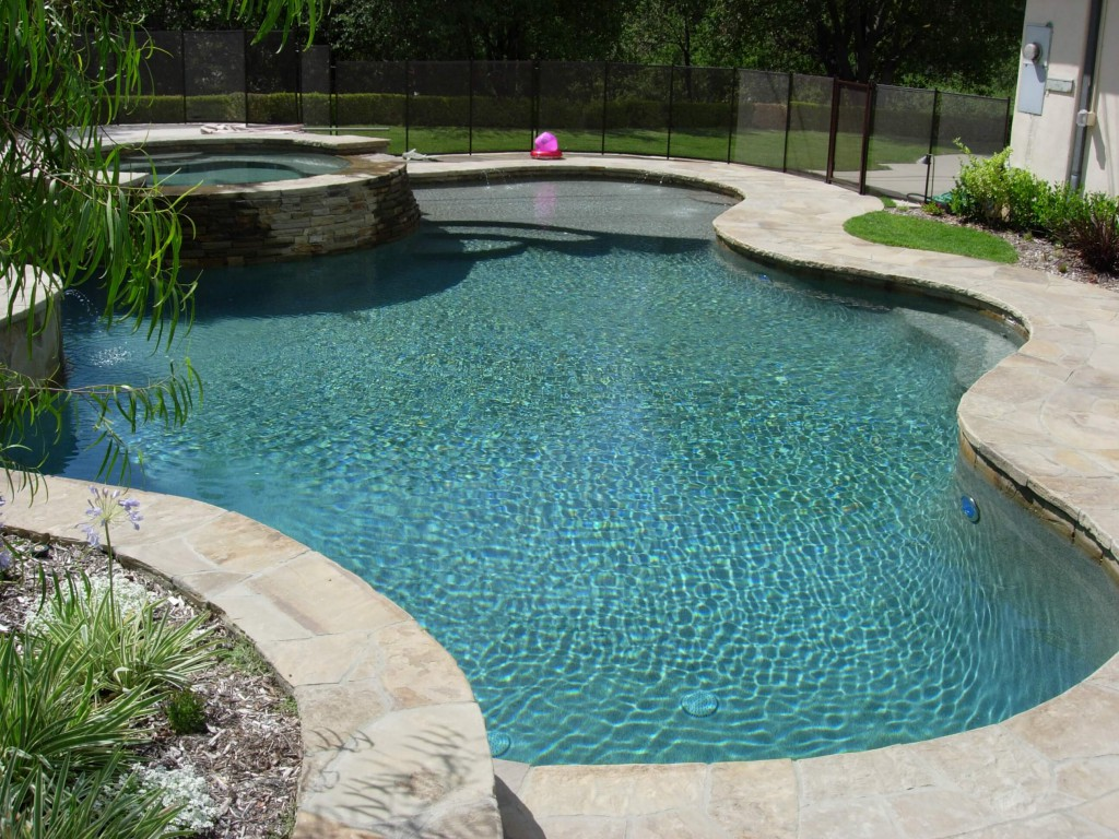 Fabulous Tahoe Blue Pebble Pool Finish | Skinner Pools KM84